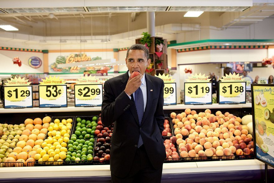 20-president-barack-obama-eats-a-peach-following-a-town-hall-meeting-at-krogers-supermarket