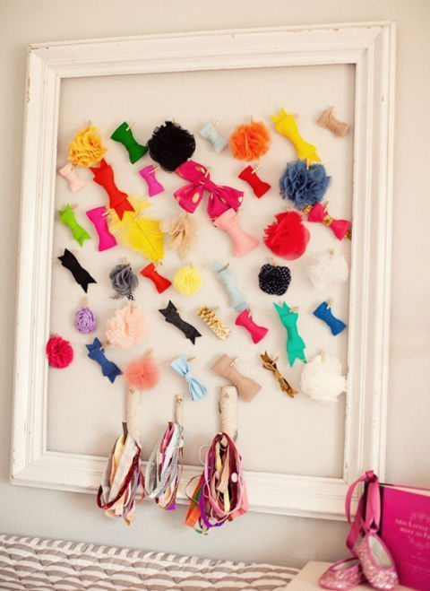 hair-accessories-empty-frame
