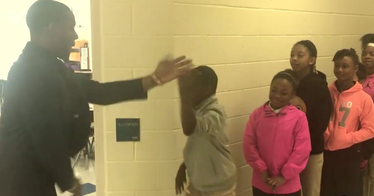 teacher_personalized_handshakes_students_featured