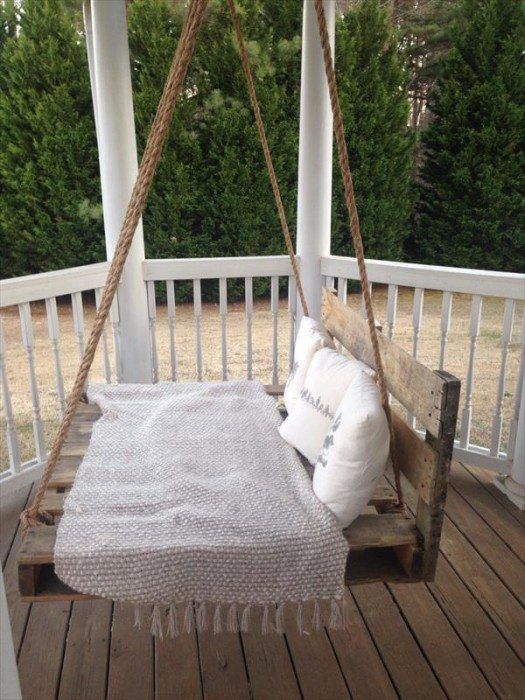 pallet furniture projects. Pallet-bed-swing-1-525x700 Pallet Furniture Projects
