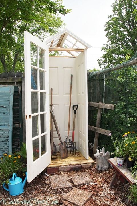 gallery-1457561298-inside-small-garden-shed1