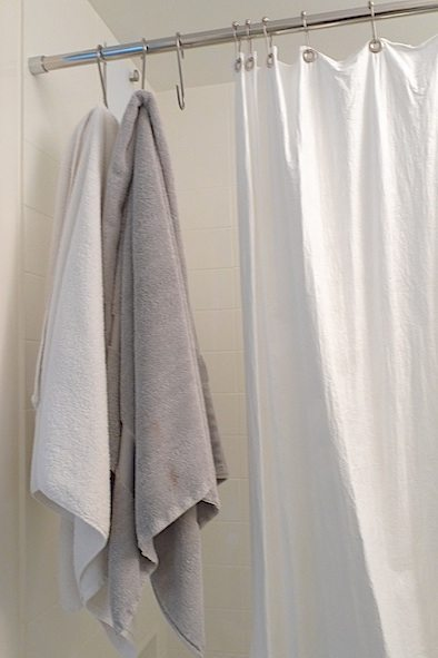 towel-hooks-curtain-closed