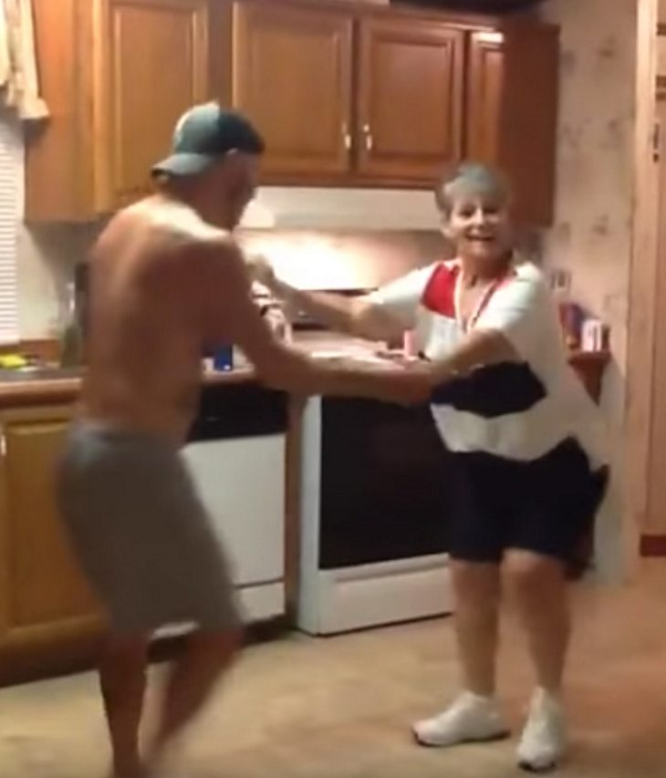 Mother Son Dance Songs 2017: Mom Can't Sleep So Asks Son To Dance, Doesn't Realize