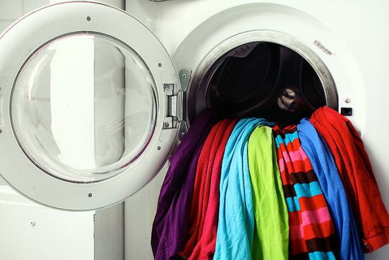 10 Ways To Use Vinegar For Ultra Clean Laundry