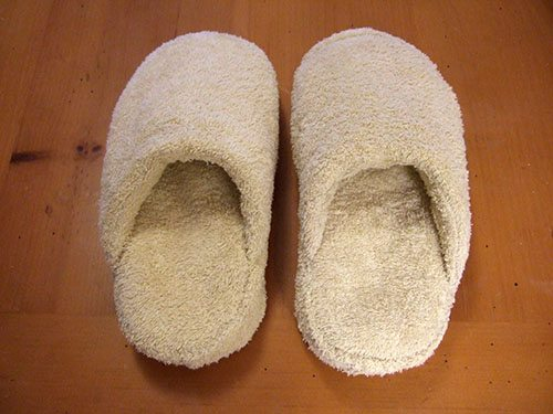 diy towel ideas and crafts - slippers