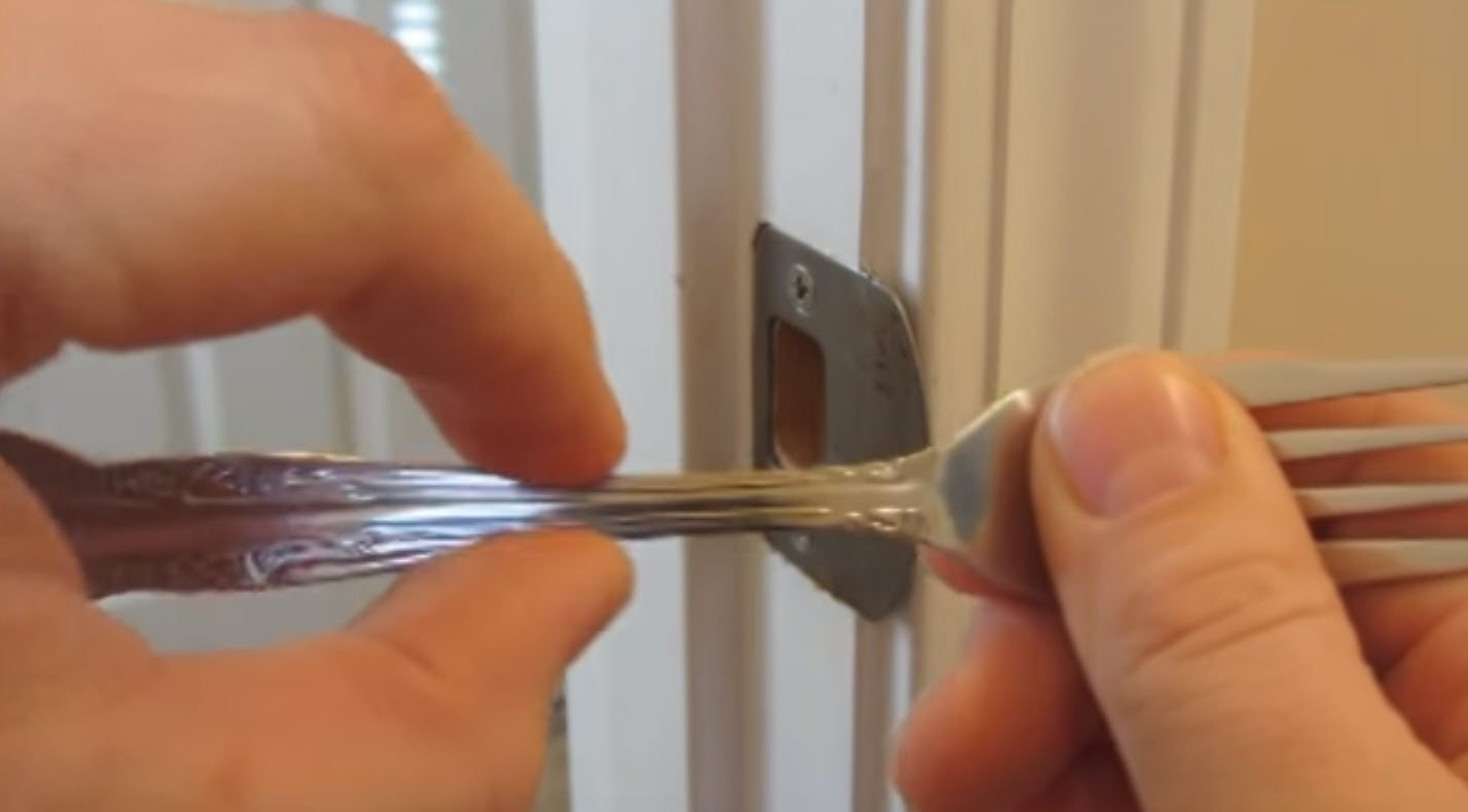 Life Hack Reveals How To Create A Diy Lock With Just A Fork