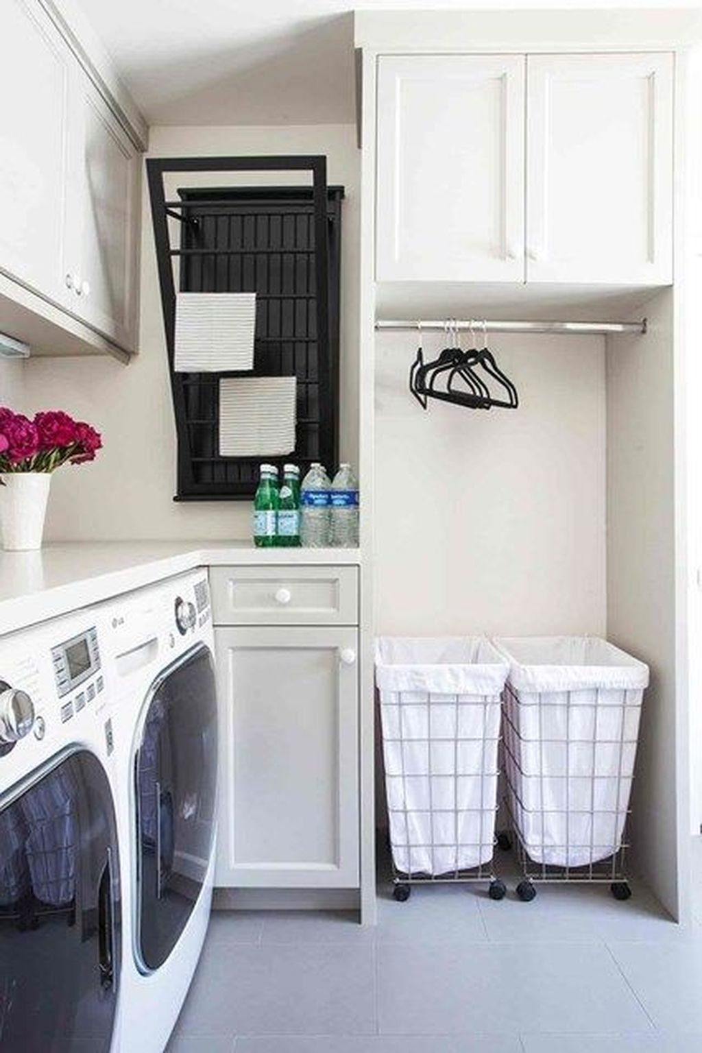 30 Inspiring Farmhouse Laundry Room Decor Ideas