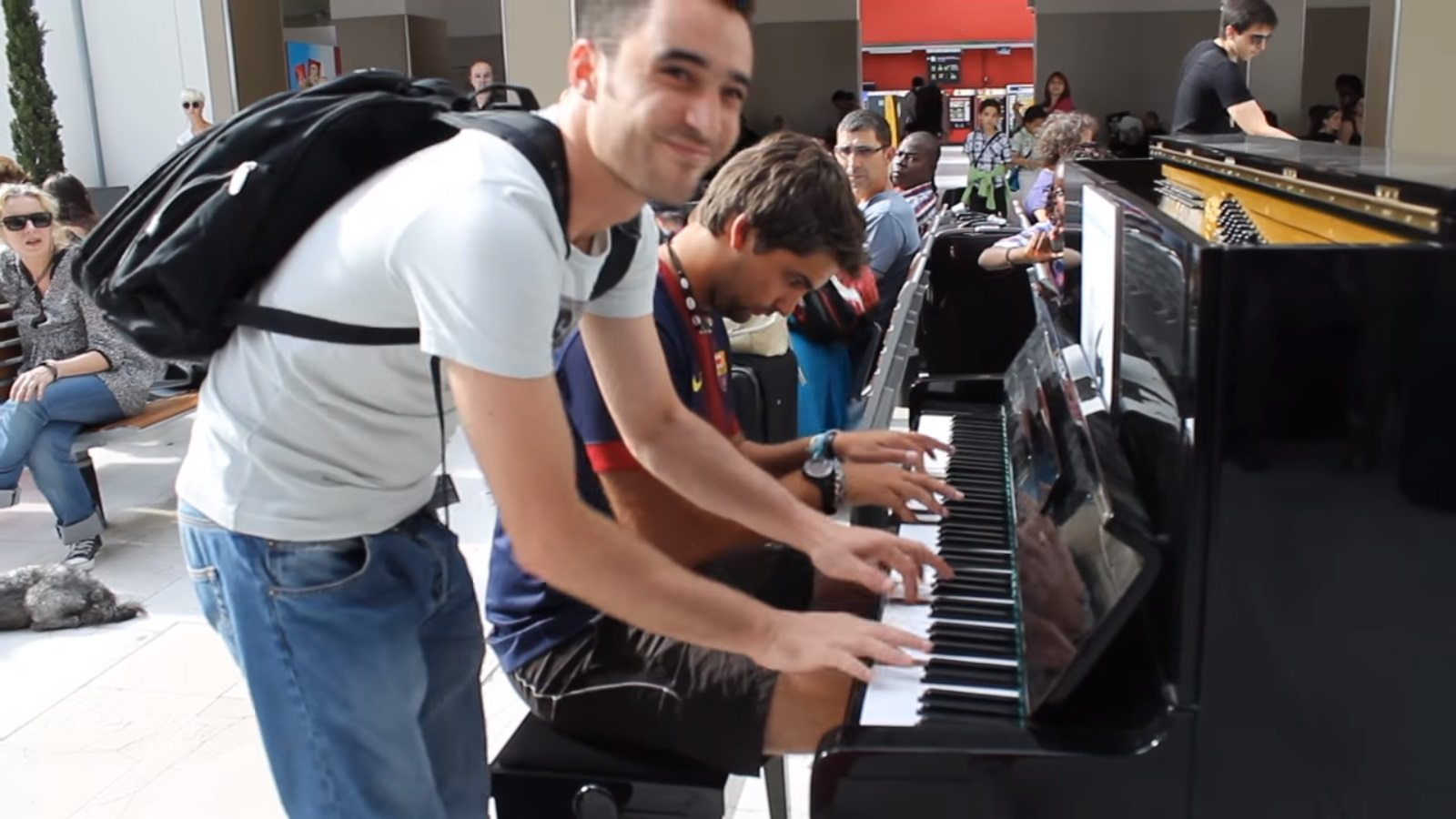 improvised-piano-duet-paris-station