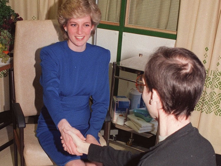 diana-aids-patient-shakes-hand
