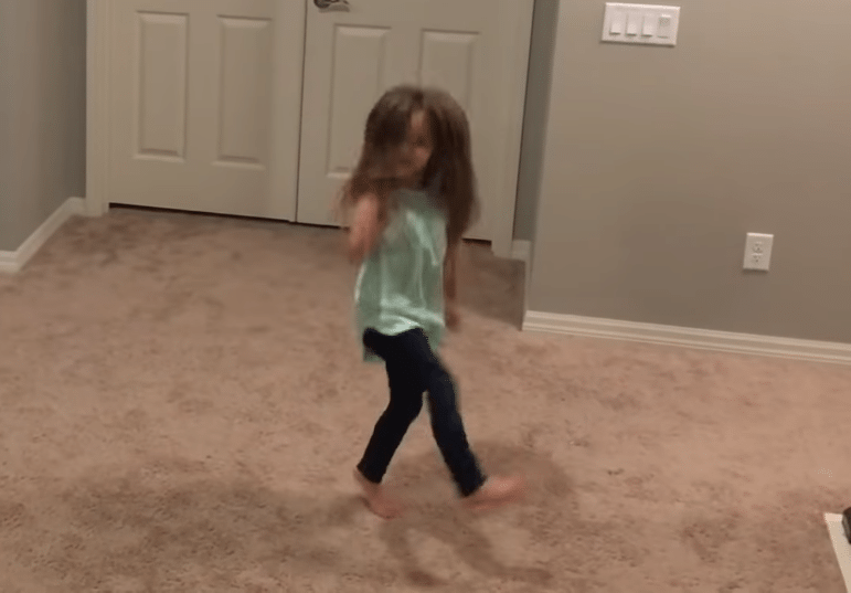 little-sister-fortnite-dance