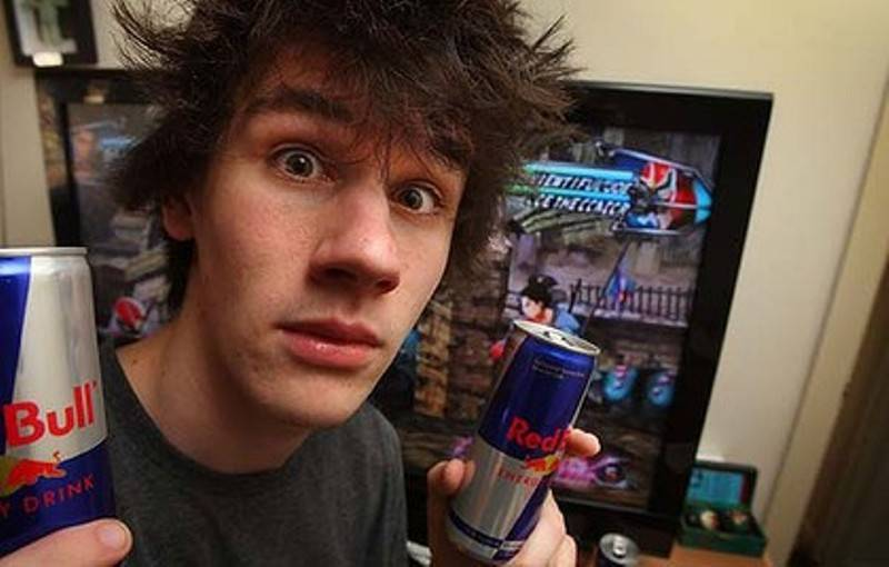 teen-holding-red-bull-energy-drink
