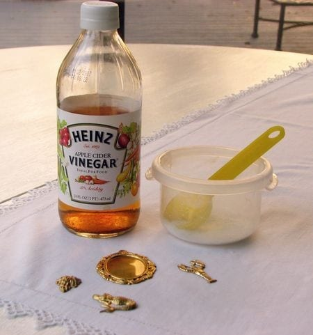 40 Seriously Genius Uses For Apple Cider Vinegar