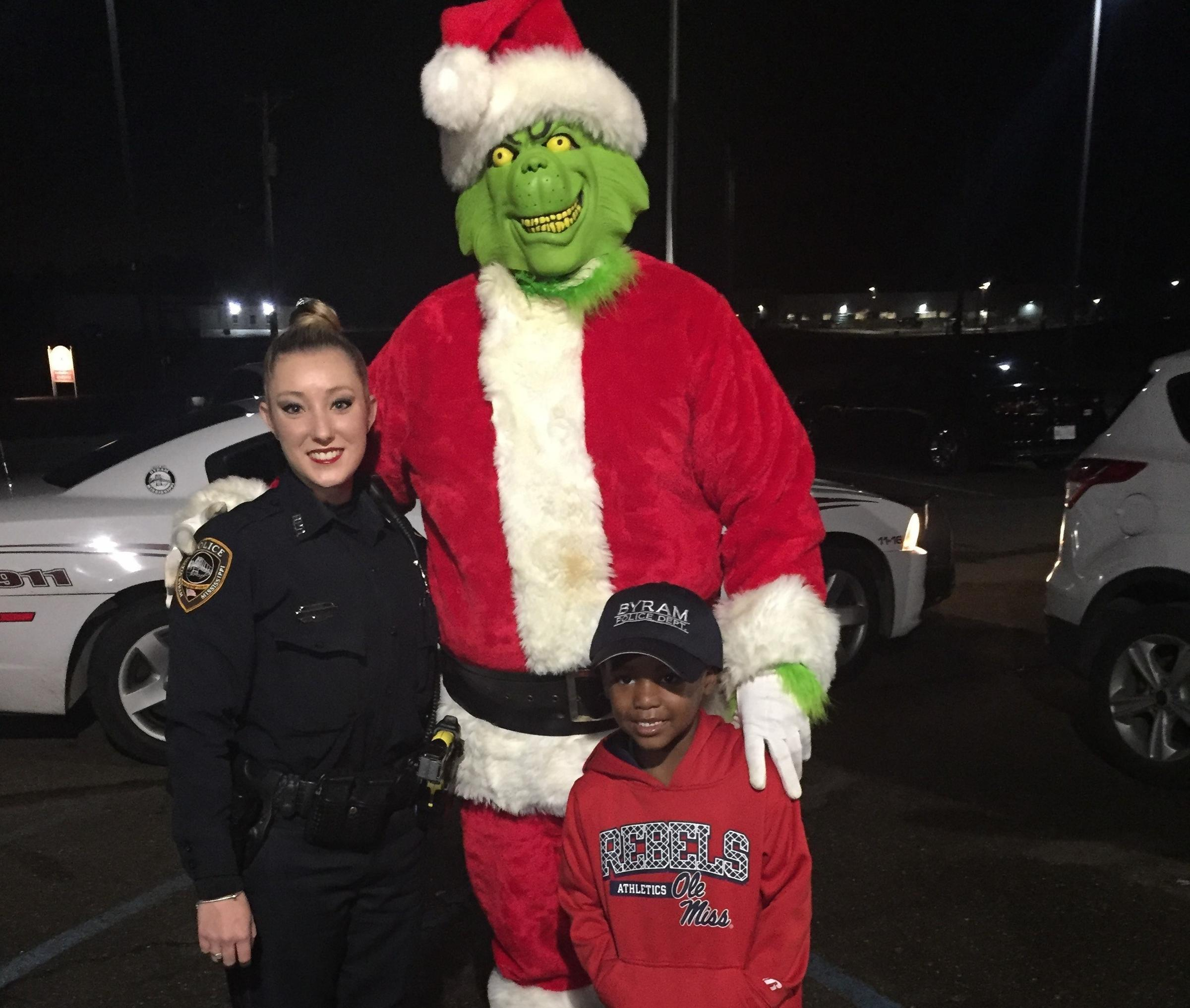 boy-calls-911-grinch-tylon