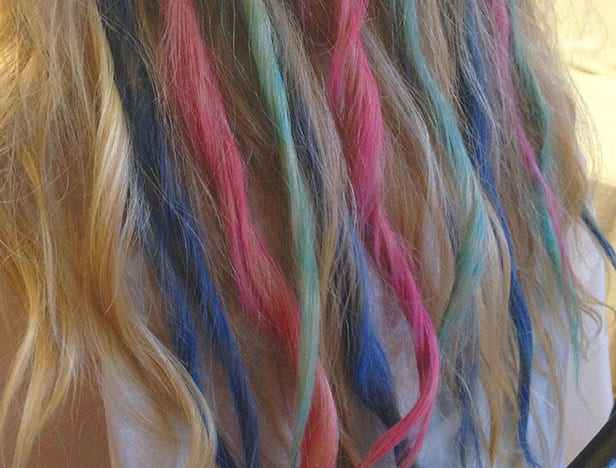chalk-DIY-hair-chalk-kids