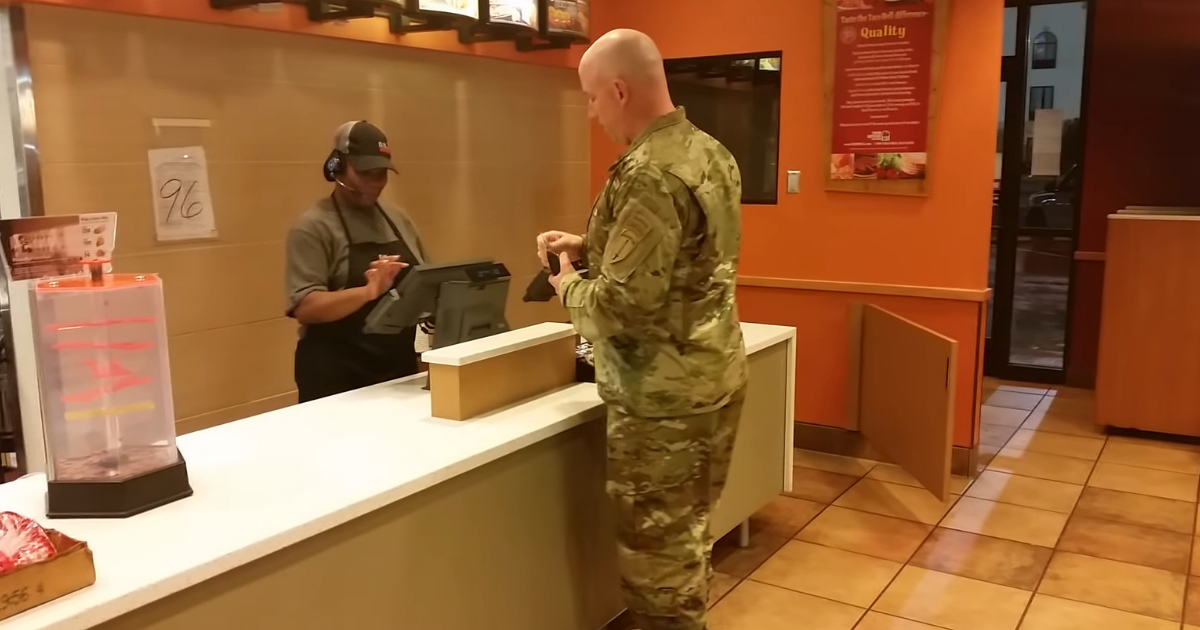 Soldier In Line To Buy Dinner But Changes His Mind When 2 Boys Walk In And Say They're Starving