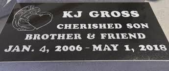 boy-buys-best-friend-gravestone