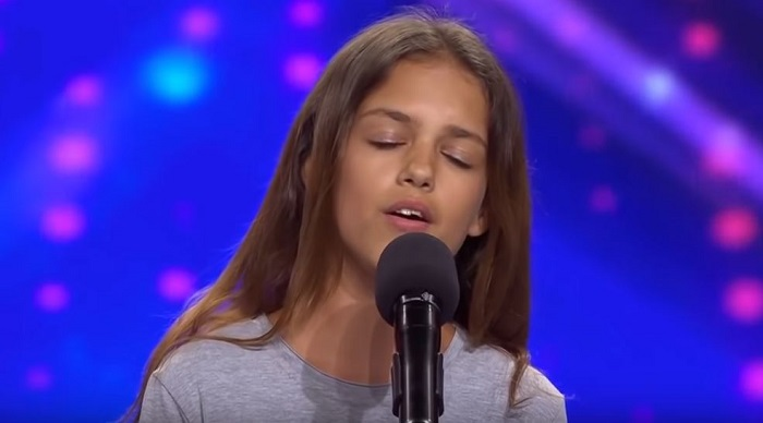 Tiny Singer Wows With Inspiring Rendition Of 'Fight Song'