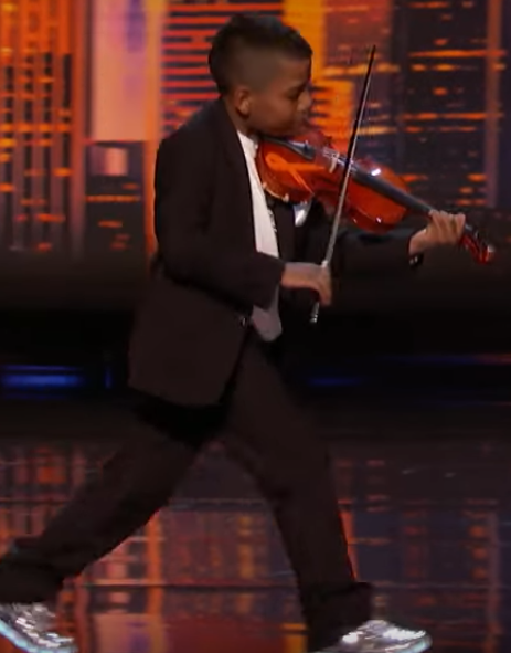 Violinist Who Survived Cancer Earns Simon's Golden Buzzer