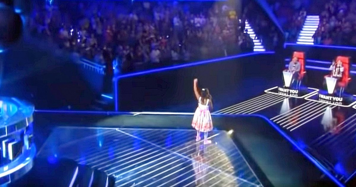 """Tiny 6-year-old grabs mic with song so powerful she's being called """"The next Beyonce"""""""