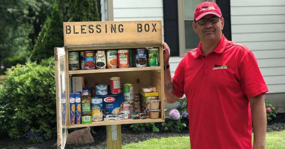 https://edition.cnn.com/2017/07/11/health/iyw-blessing-box-food-pantry-on-lawn-for-the-hungry-trnd/index.html?fbclid=IwAR2IVJph2vb821YcR5xi9R9B6h4yjPLcBLQe7abhjMJnush87Dv2ce5hQKo