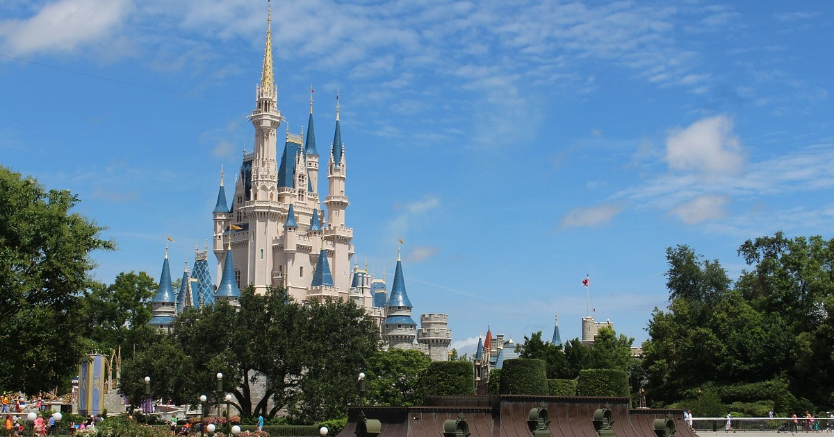 https://pixabay.com/photos/walt-disney-world-disney-world-239144/