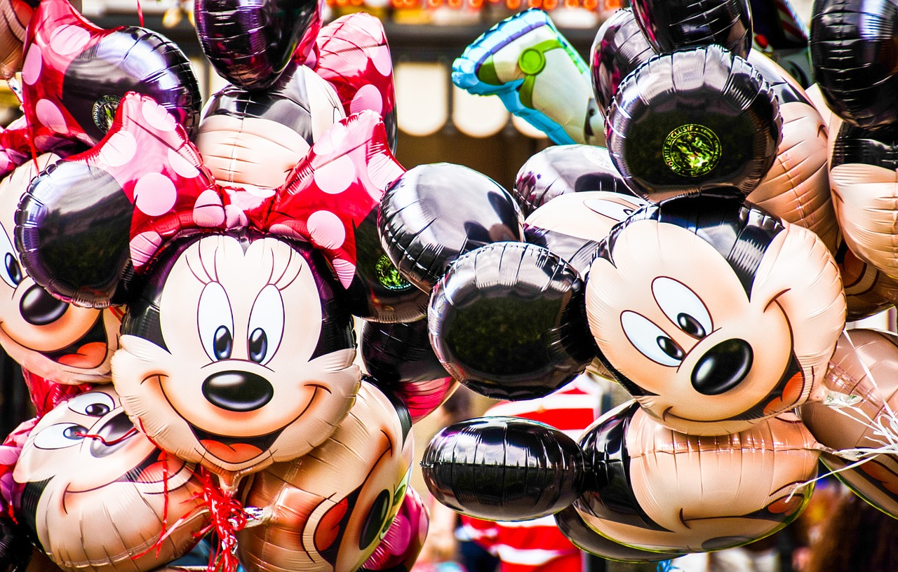 https://pixabay.com/photos/disney-balloons-minnie-mouse-680246/