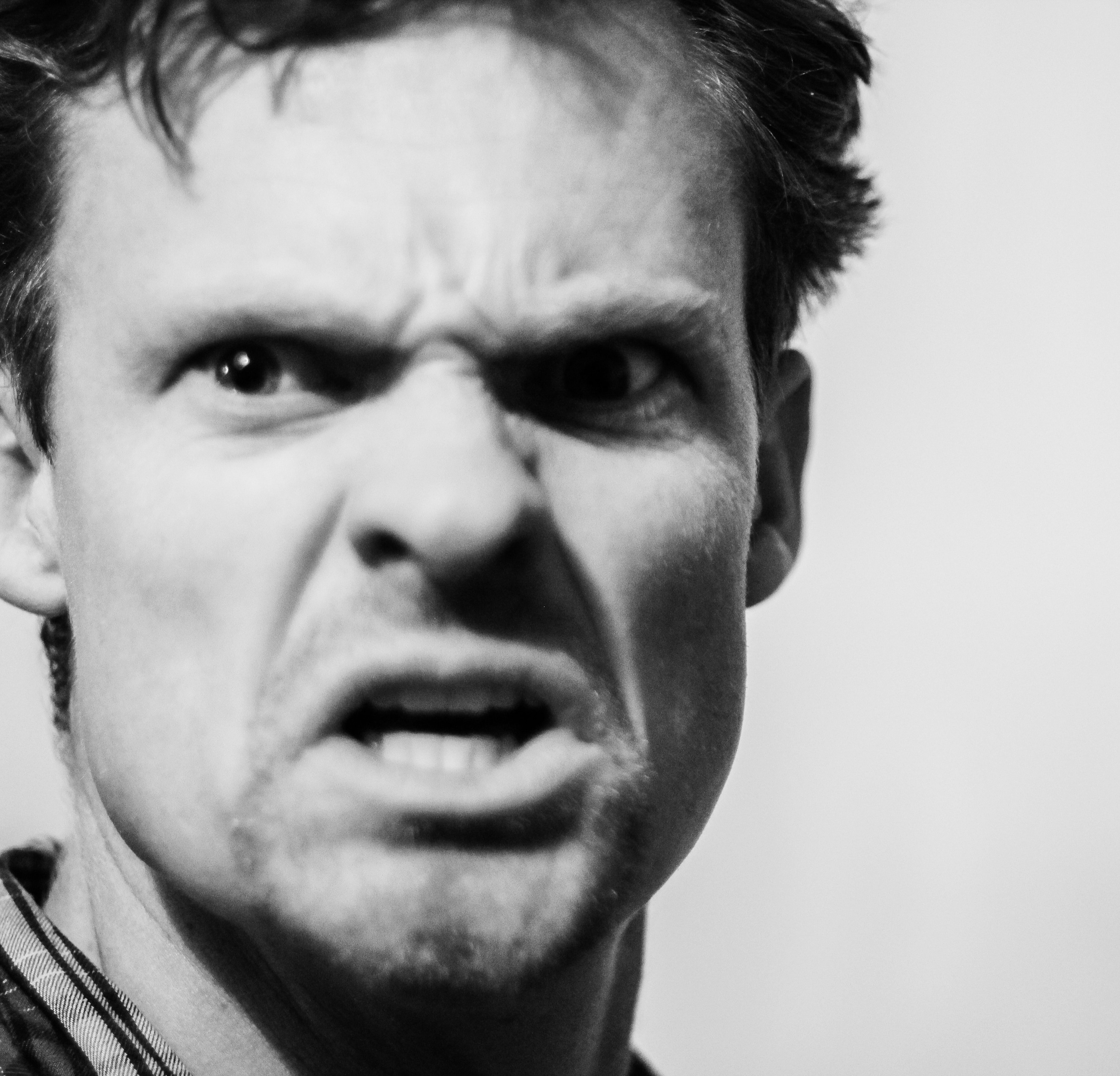 https://www.pexels.com/photo/angry-angry-man-man-634020/