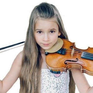 Young Violinist Gives Spectacular Street Performance