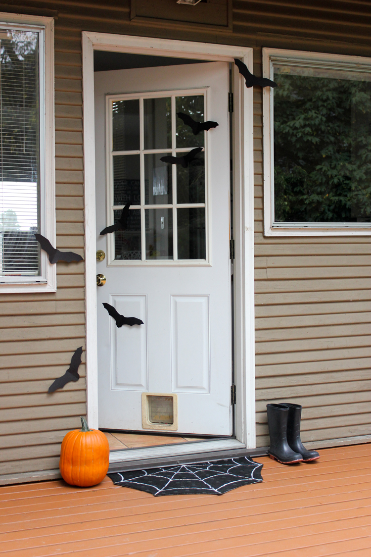 Expert Diyer Shares 65 Creative Halloween Decorations From