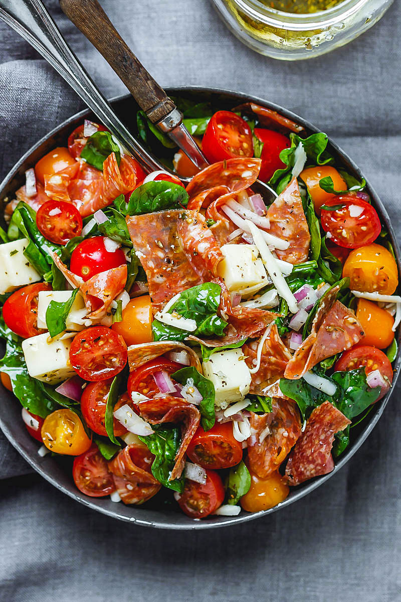 https://www.eatwell101.com/spinach-salad-recipe-mozzarella-tomato-pepperoni
