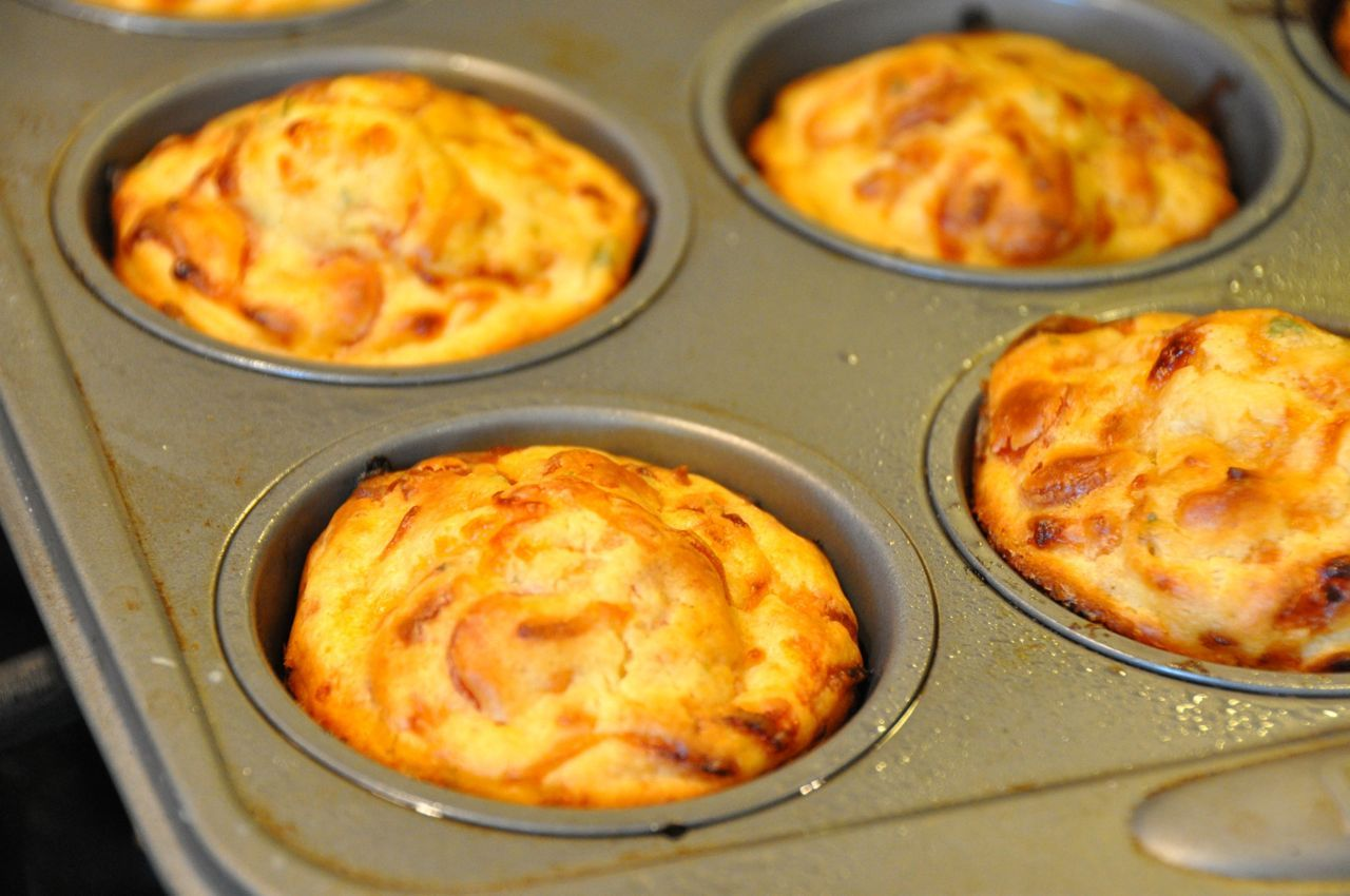 https://www.beyerbeware.net/2012/08/hunk-of-meat-monday-pizza-muffins.html
