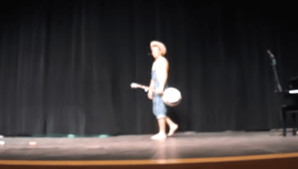teen-banjo-talent-show