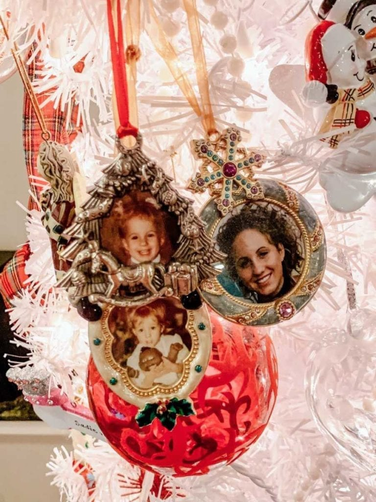 Ashlee's Christmas Present Tree with Pics of Her Young Age & Her Mother