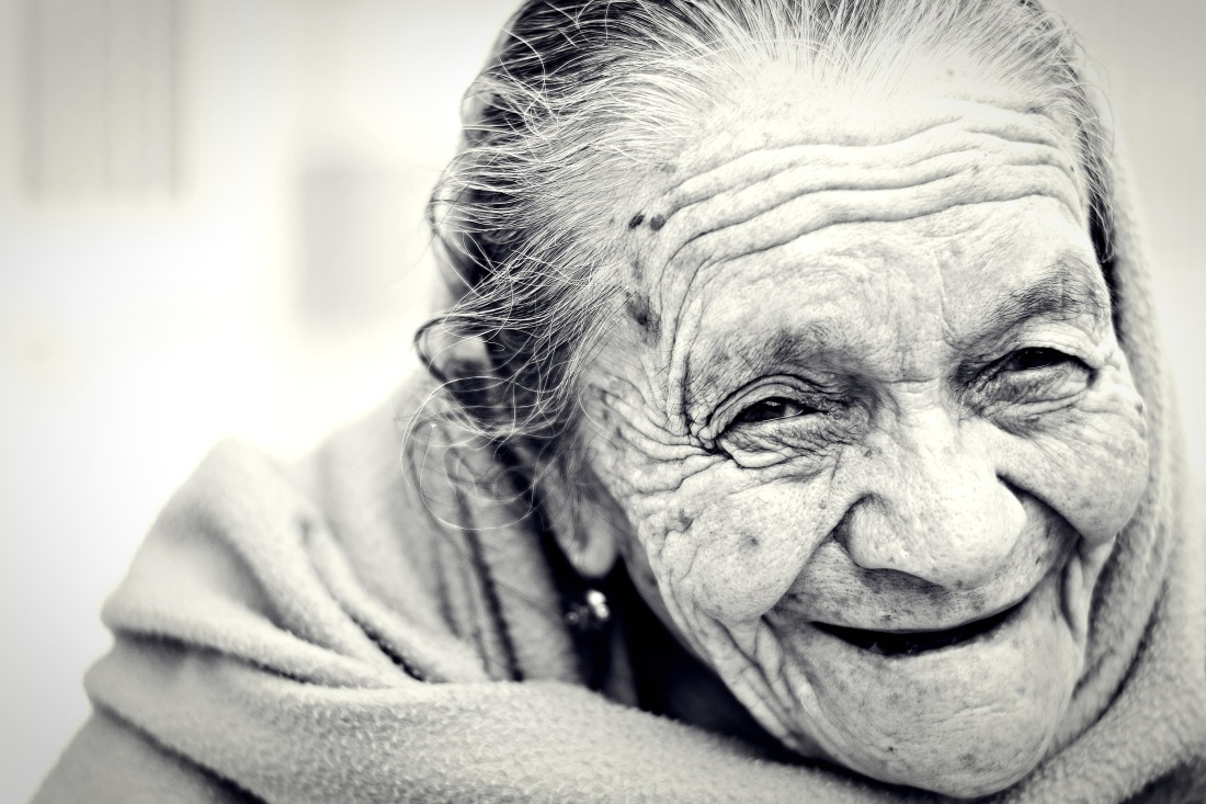 https://pixnio.com/people/female-women/portrait-people-elderly-wrinkle-depression-elder-old-face-woman-monochrome