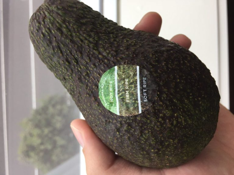 https://www.reddit.com/r/mildlyinteresting/comments/5psgxx/my_avocado_has_a_color_chart_on_the_sticker_so/