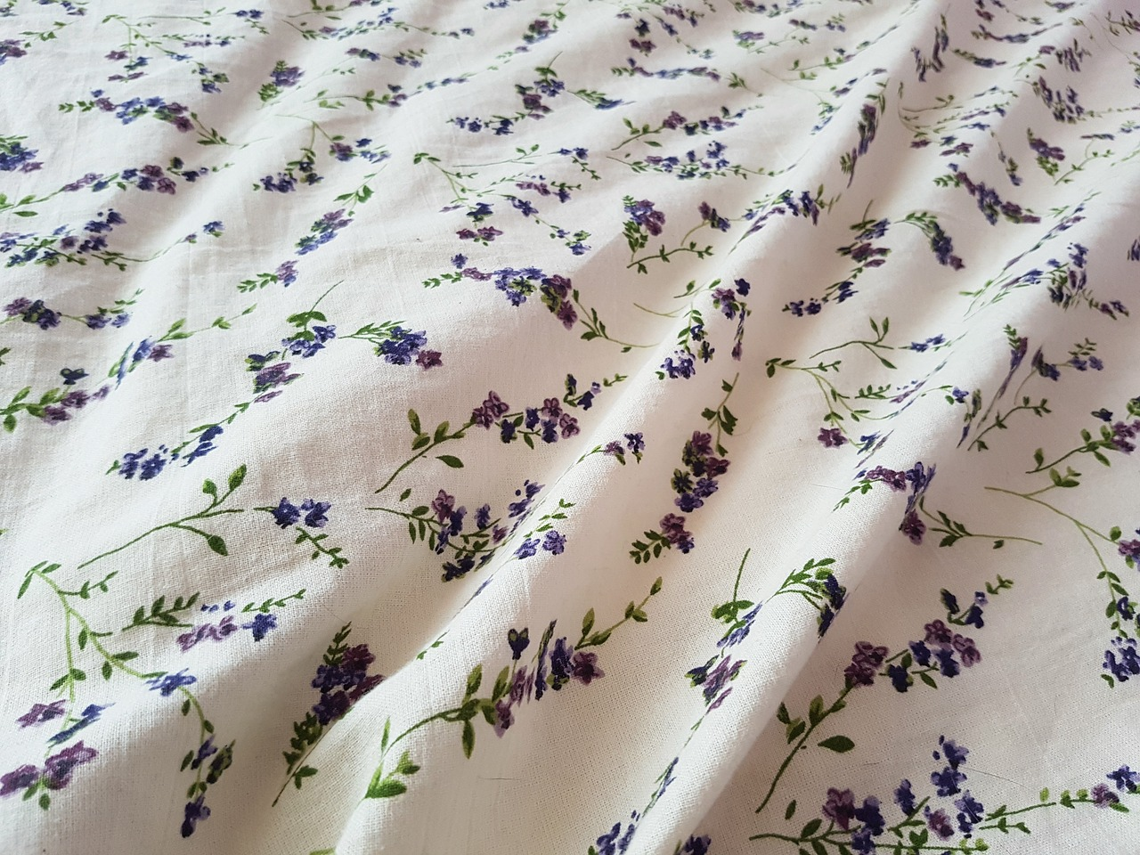 https://www.needpix.com/photo/679480/lavender-bedding-fabric-white-purple-bed-flower-floral-house