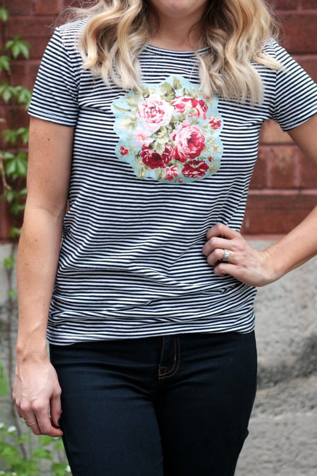 https://prettylifegirls.com/2015/06/plg-diy-no-sew-floral-stripes-tee.html