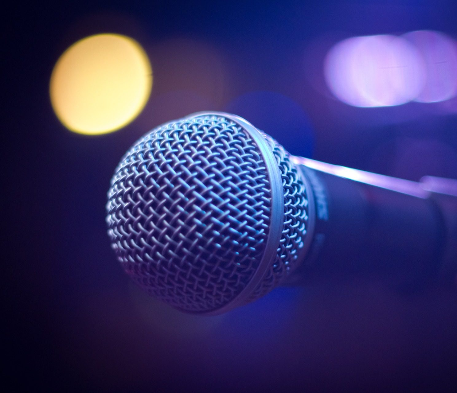 https://pixabay.com/photos/microphone-sound-music-1261792/