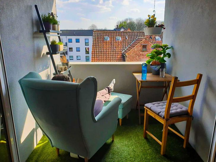 https://www.reddit.com/r/CozyPlaces/comments/fxu8ut/our_tiny_balcony/