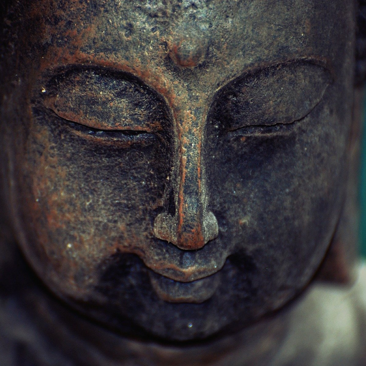 https://pixabay.com/photos/zen-buddha-peace-meditation-statue-509371/