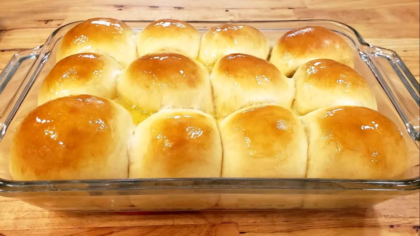 Mom Says Her Down Home Country Dinner Roll Recipe Is The Best You Re Ever Gonna Eat