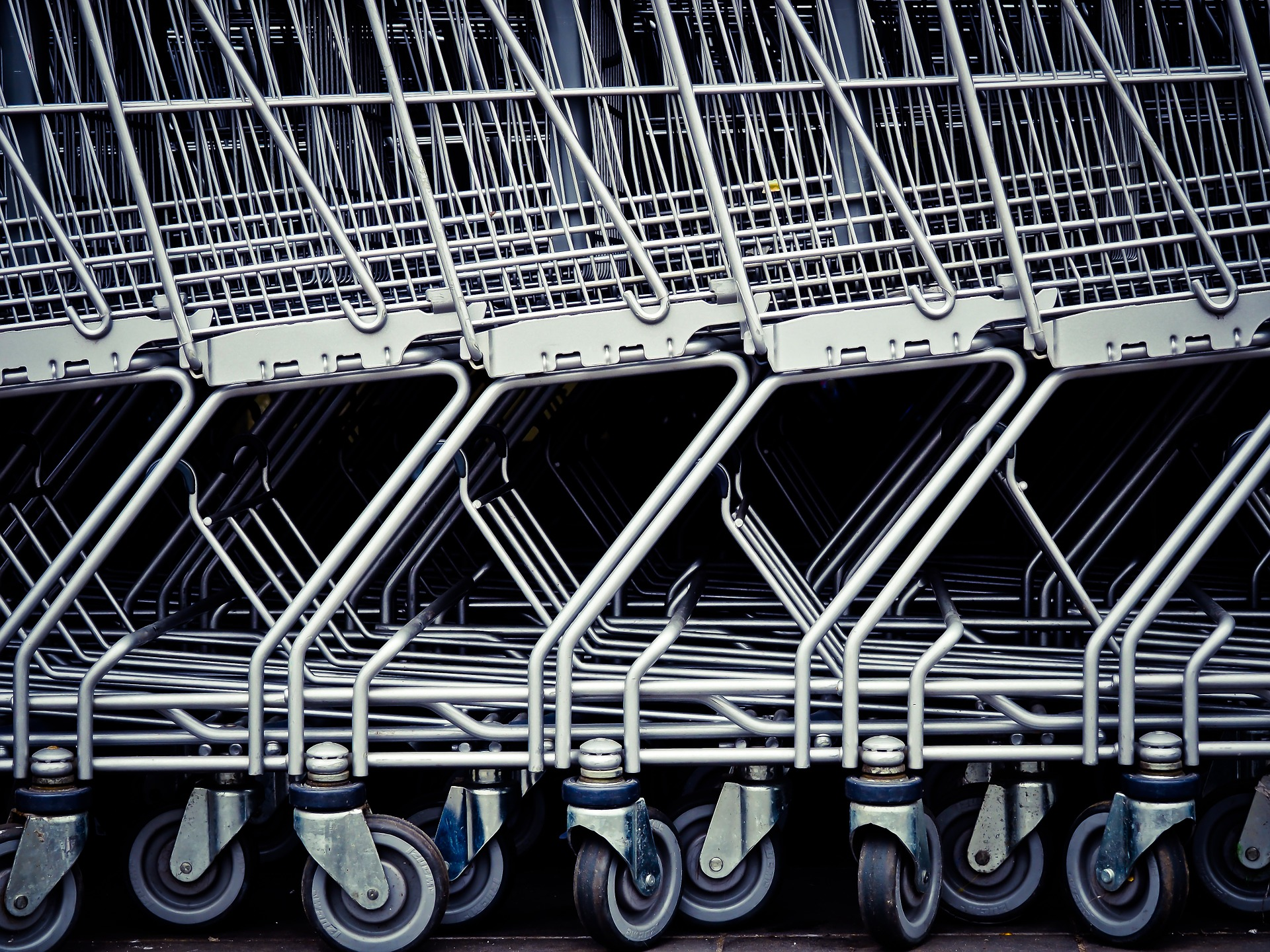 https://pixabay.com/photos/shopping-cart-shopping-supermarket-1275482/